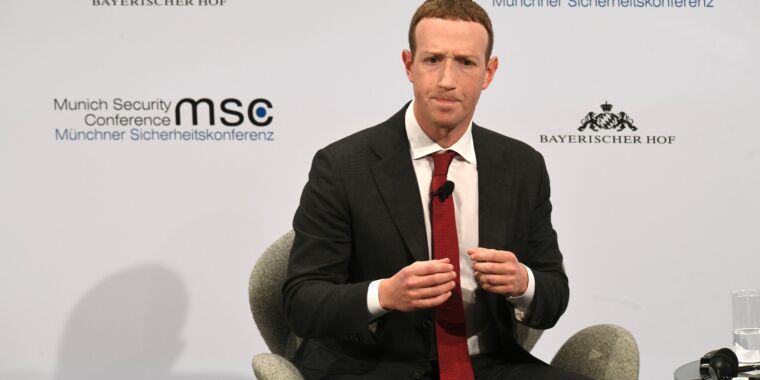 Technology Facebook bans all Australian news content over pay-to-link proposal