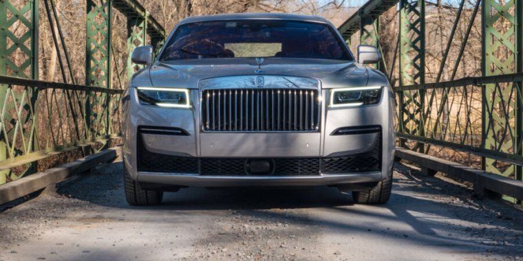 Technology The Rolls-Royce Ghost: A magic carpet ride that costs as much as a house