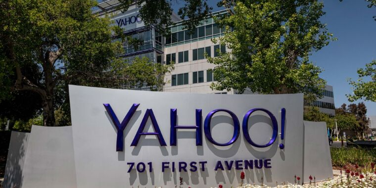 Technology Verizon agrees to sell Yahoo and AOL to private-equity firm for $5 billion