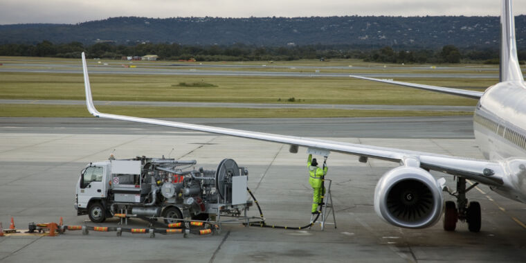 Technology From trash to jet fuel in 60 minutes—and 220º C