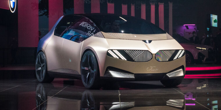 Technology BMW explores recycling with the i Vision Circular concept