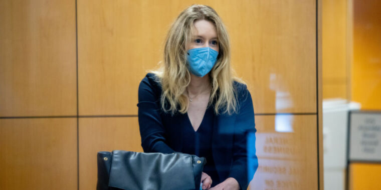 Technology Theranos promised investors $1B in revenue despite internal projection of just $100M