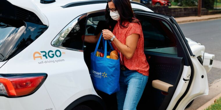 Technology Walmart to begin driverless deliveries with Ford and Argo AI
